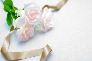 白薔薇とリボン