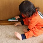 2歳児との遊びで室内の場合、簡単に体を動かすことのできる方法とは?